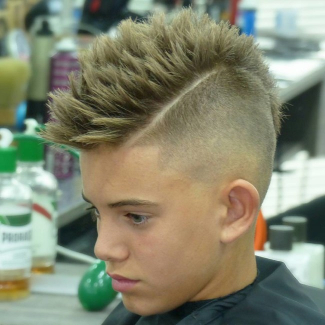 Spiky MoHawk + Side Part + High Skin fade - Men's Haircuts