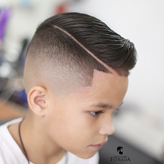Comb Over + Hard Part - Men's Haircuts