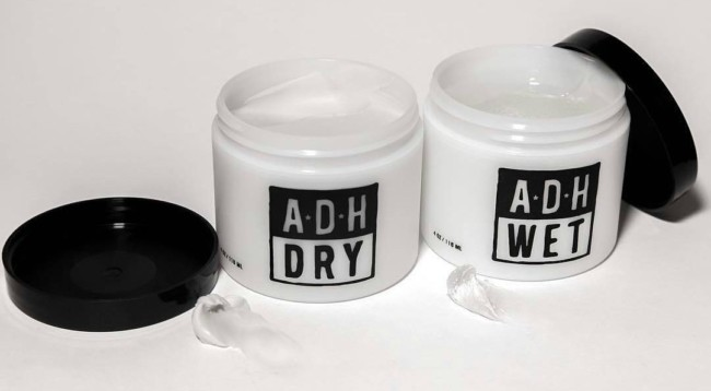 Pomade https://www.menshairstyletrends.com/wp-content/uploads/2016/10/how-to-apply-pomade-adh-wet-dry-e1476562773360.jpg