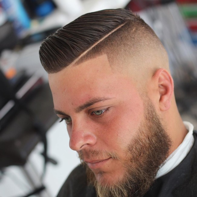 Short Comb Over + Side Part + Skin Fade - Men's Haircuts