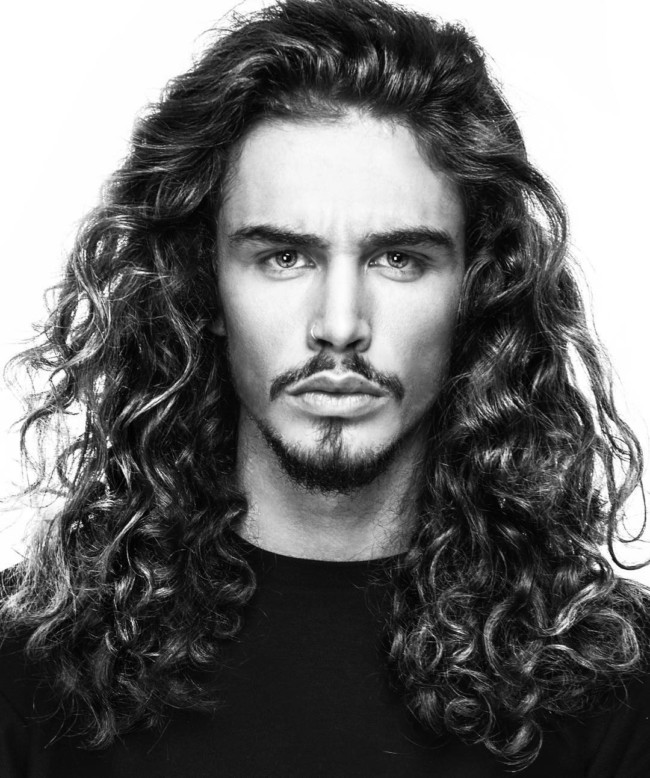 Long wavy hair - men's haircuts