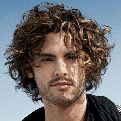 Messy wavy hair - men's haircuts